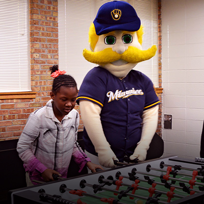 Pieper-Hillside Club games room transforms into MLB clubhouse